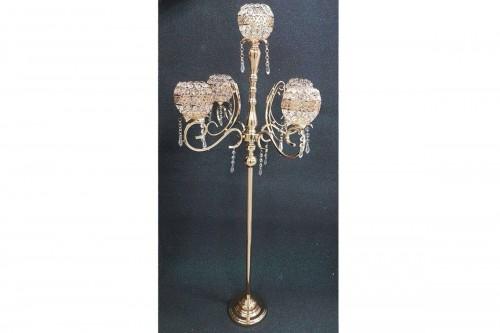 Candeliere dorato a 5 bracci. Dim.33x33x77 cm