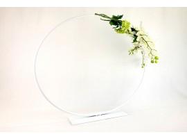 """Struttura """"Event"""" a forma di cerchio in metallo. Misura 80 x 15 x 80 cm. Colore bianco"""